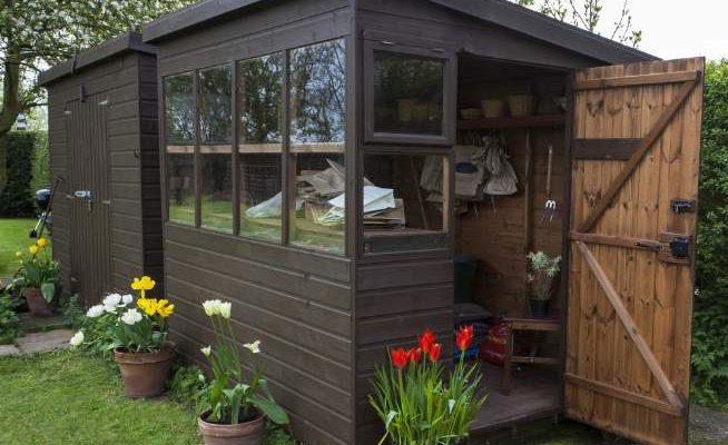 casetta giardino permessi