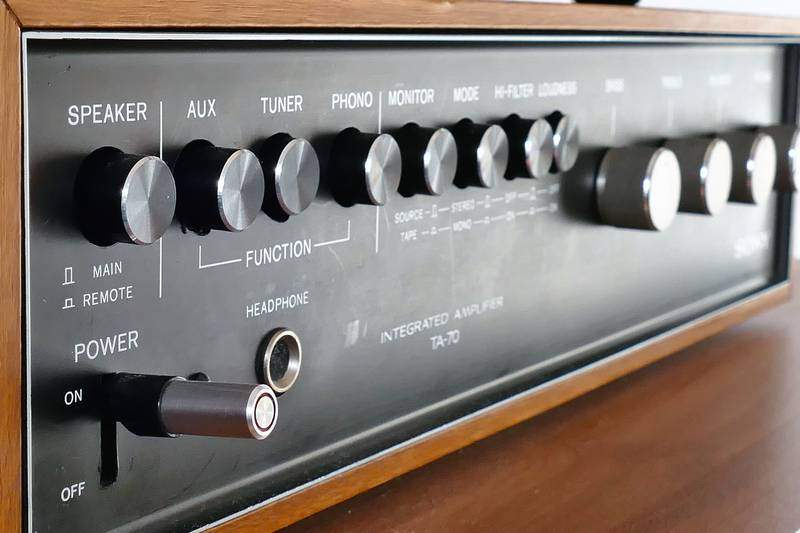 hi-fi amplificatore