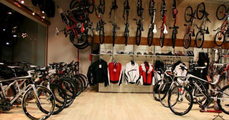 Comprare una bici: vendita diretta, negozio online o negozio fisico?