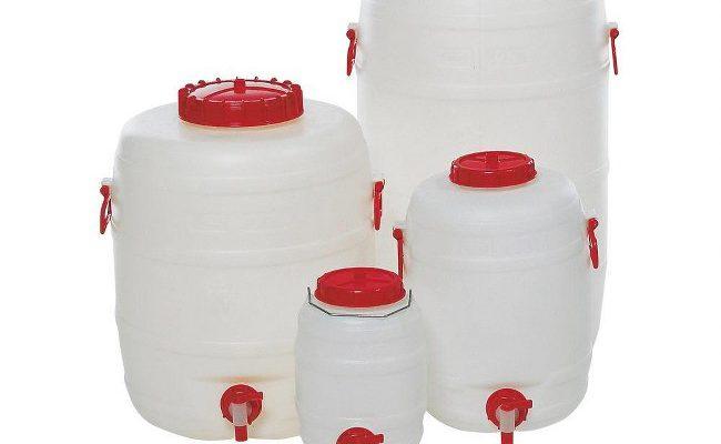 Taniche con rubinetto: scopri le differenze tra il polietilene e l'acciaio inox