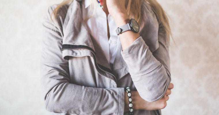 Dal legno alla gomma, la trasformazione moderna dell'orologio da polso