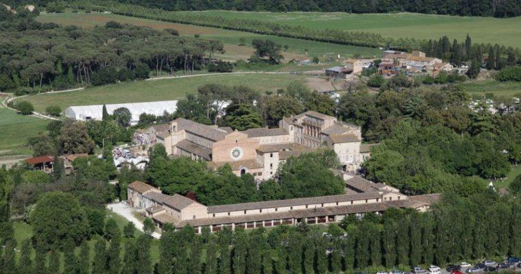 Abbazia di Fiastra: storia ed approfondimenti