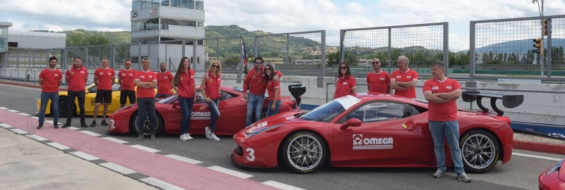 eventi-ferrari-team-building-1-1280x432_800x270