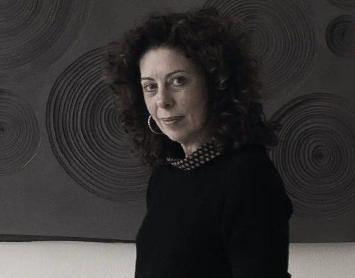 Paola Pezzi e i suoi pannolenci realizzati con le matite