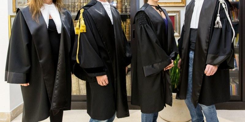 Per quale motivo gli avvocati portano la toga?