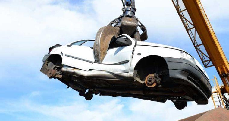 Demolizione auto: Di cosa si tratta, quanto costa come funziona?