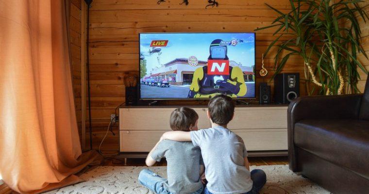 TV e bambini: le regole da stabilire in casa