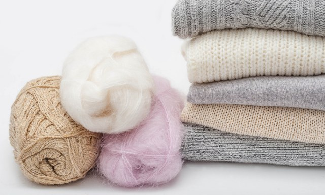 Come lavare, asciugare e smacchiare il cashmere
